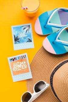 Plat lag vakantie instant foto's met hoed en zonnebril