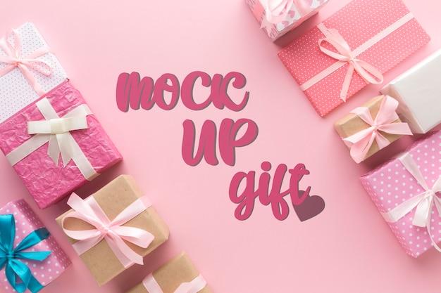 Plat lag verschillende geschenkdozen mock-up