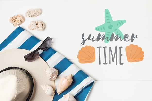 Plat leggen copyspace mockup met zomer elementen