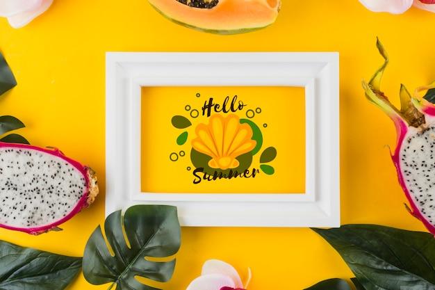 Plat leggen frame mockup voor zomerconcepten