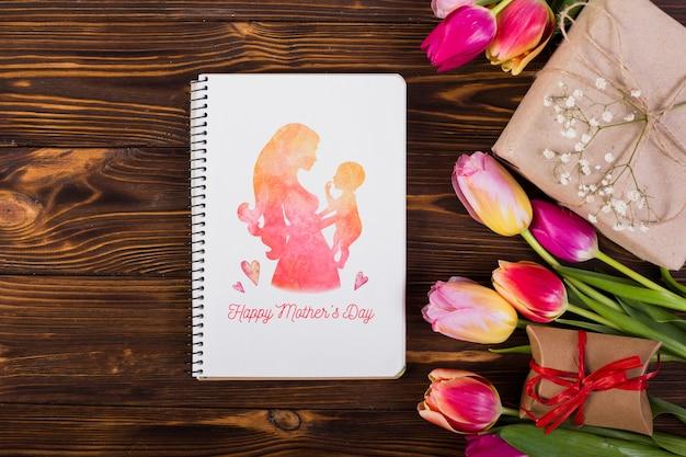 Plat leggen notebook mockup voor pasen