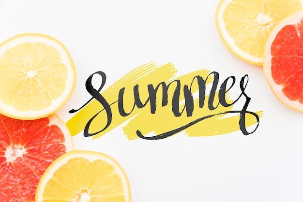 Plat leggen zomer achtergrond met exotisch fruit