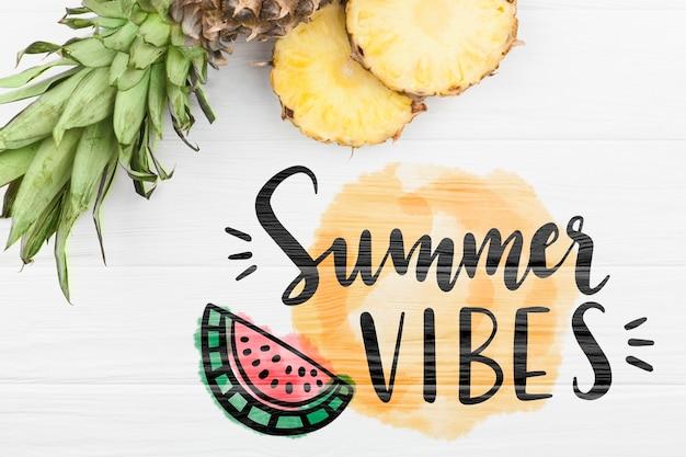Plat leggen zomer mockup met copyspace en ananas