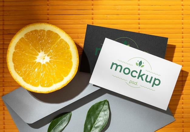 Plat papier briefpapier met citrus en bladeren