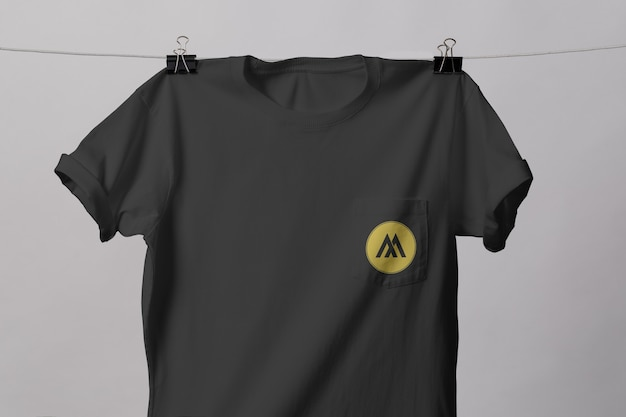 Pocket t-shirt mockup geïsoleerd