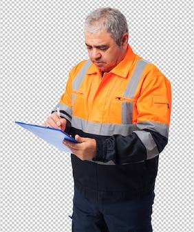 Portret van een arbeider die op een document schrijft