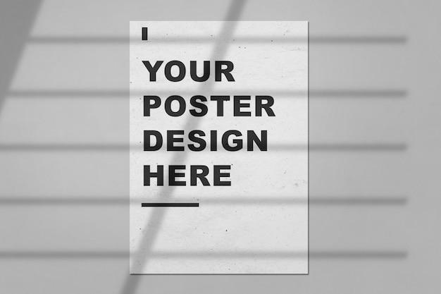 Poster mockup voor foto's, kunst, afbeeldingen met bladeren schaduw overlay. geïsoleerde fotolijst mockup sjabloon sjabloon voor een fotograaf, kunstgalerie