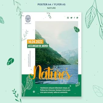 Poster sjabloon voor de natuur met het landschap van het wilde leven Gratis Psd