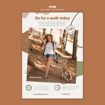 Poster wandelen met de hond dagsjabloon