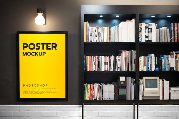 Posterframe in bibliotheekruimte mockup