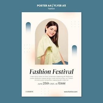 Postersjabloon voor modestijl en kleding met vrouw
