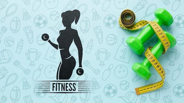 Pratica fitness con pesi a mano
