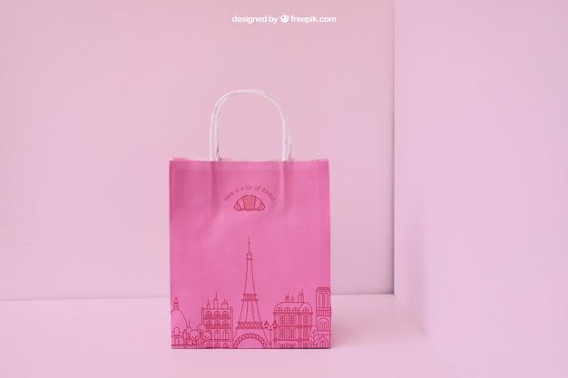 Presentación de bolsa de papel rosa