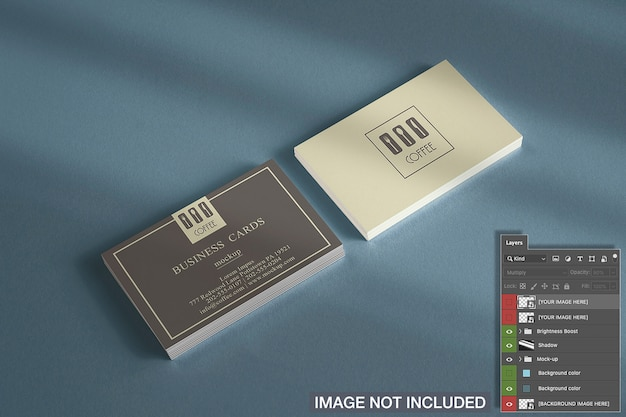 Primer plano de la maqueta de pilas de tarjetas horizontales