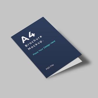 Primer plano de la maqueta de la portada del folleto tamaño a