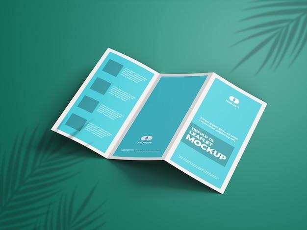 Primo piano sulla brochure mockup a tre ante
