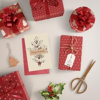 Proceso de envoltura de regalos para navidad