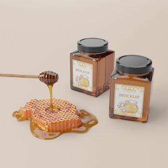 Producto de miel orgánica en frascos