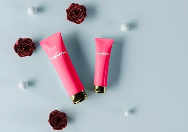 Productos cosméticos con esferas y flores.