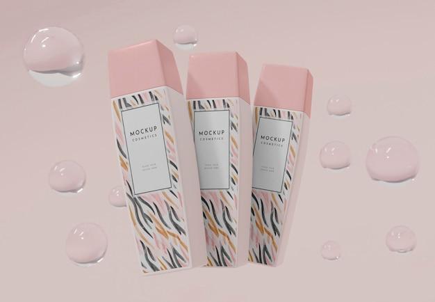 Productos cosméticos con maqueta de burbujas.