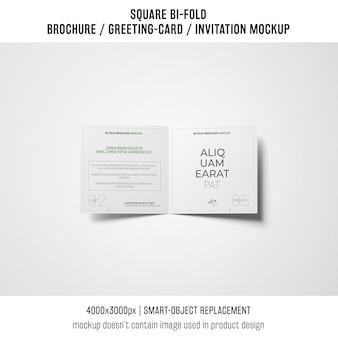 Professionele vierkante bi-vouw brochure of wenskaart mockup