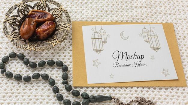 Ramadan print mockup hoge hoek