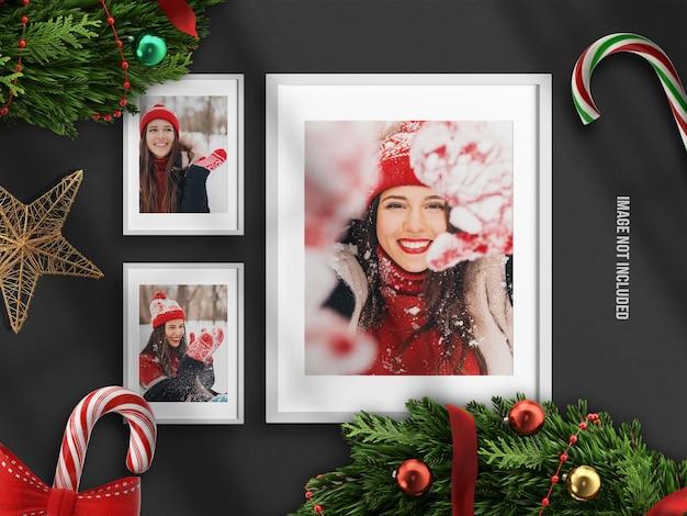 Realistisch en minimalistisch fotolijstmodel of moodboard voor prettige kerstdagen en gelukkig nieuwjaar met 3d-renderdecoratie