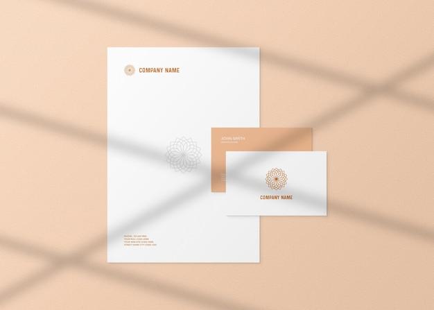 Realistisch model voor briefpapier