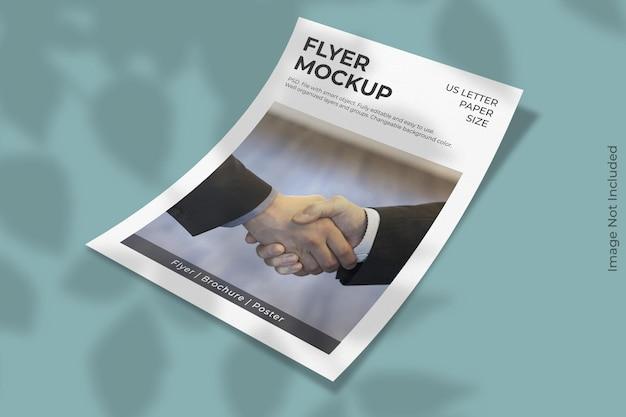 Realistische amerikaanse brief flyer mockup met schaduw overlay
