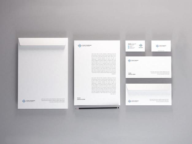 Realistische briefpapier instellen mockup