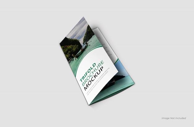 Realistische driebladige brochure mockup sluiten