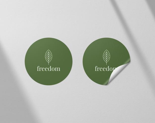 Realistische papieren sticker mockup-sjabloon