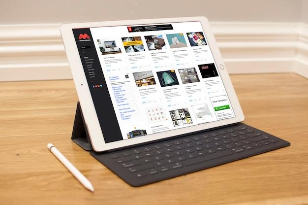Realistische tablet mock up