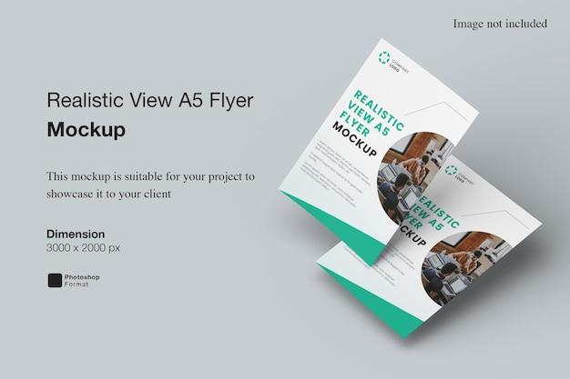 Realistische weergave a5 flyer-model