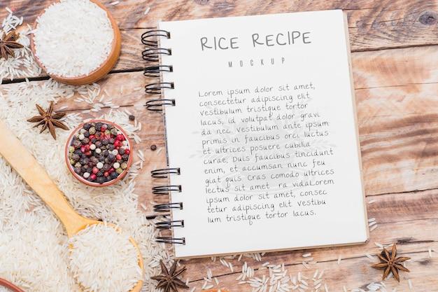 Receta de pastel de arroz en el cuaderno