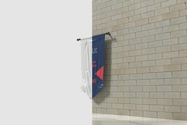 Recorta la maqueta de la bandera de seda en la habitación