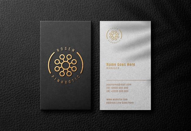 Reliëf logo mockup op moderne visitekaartje
