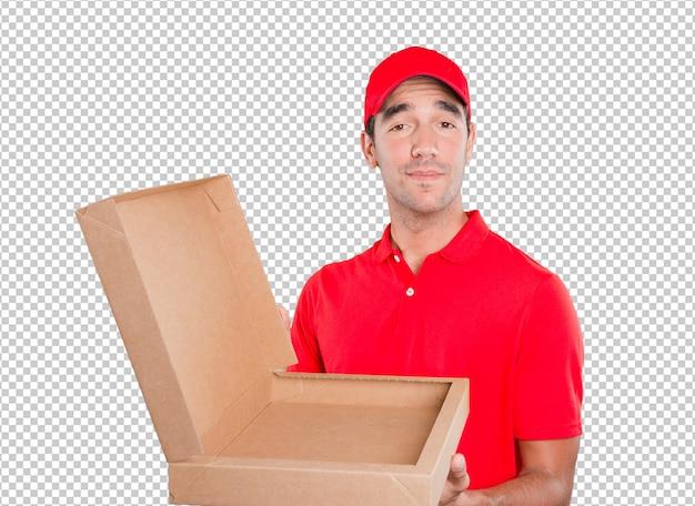 Repartidor feliz entregando un paquete