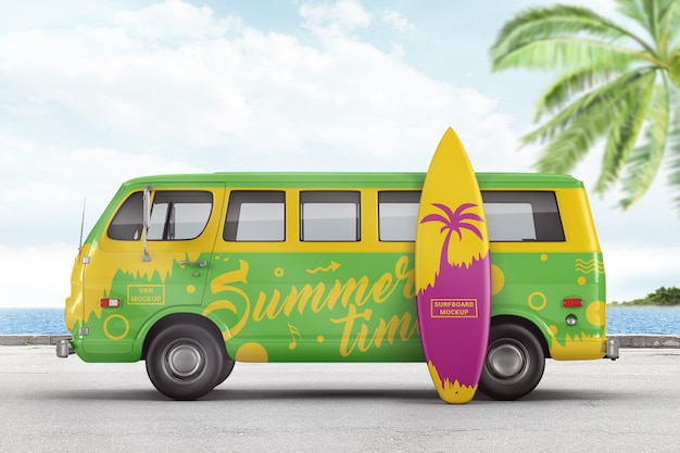 Retro busje met mockup voor surfplank-branding