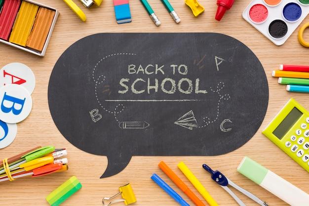 Ritorno a scuola elementi disposizione mock-up