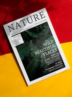 Rivista naturalistica di bellissimi luoghi selvaggi mock up