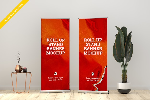 Roll up banner stand mockup in de woonkamer.