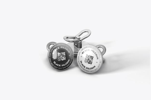 Ronde zilveren pinnen mockup ontwerp geïsoleerd