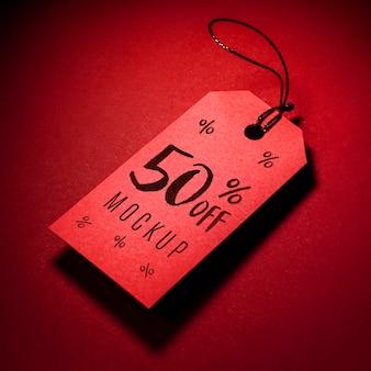 Rood prijskaartje met mock-up van de schaduwzwarte vrijdagverkoop