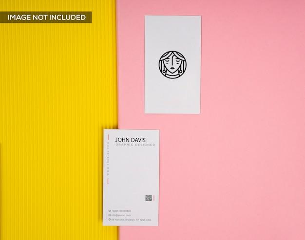 Roze mockup van visitekaartje