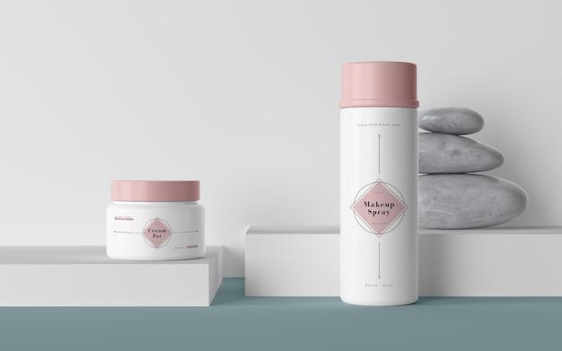 Roze verpakking van cosmetische producten