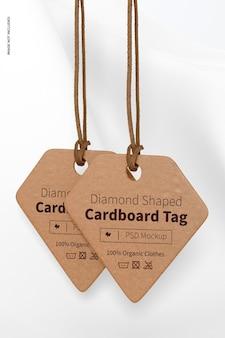 Ruitvormige kartonnen labels mockup, hangend