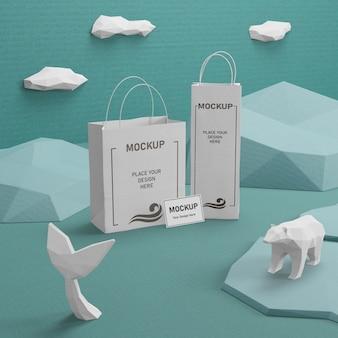 Sacchi di carta kraft con mock-up per la giornata sull'oceano