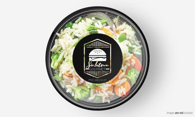 Salade box mockup met label op plantaardige rijst