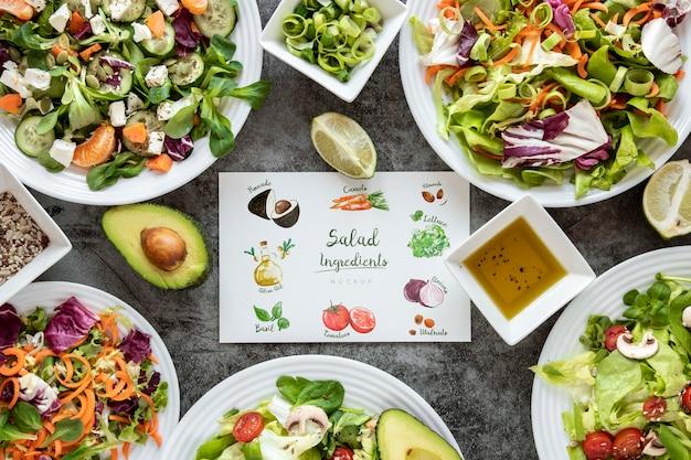 Salade voor lunch op het werk frame